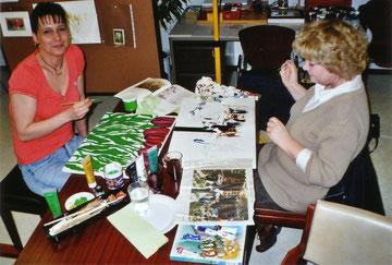 Schwester Babette u. Schwester Claudia malen mit uns, wenn es ihre Zeit erlaubt