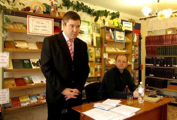 Поэт-песенник С.В. Русаков читает свои стихи