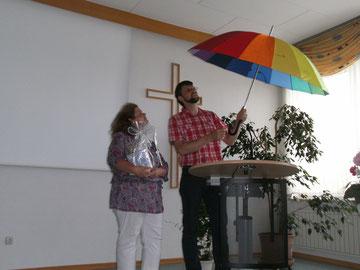 Verabschiedung von Claudia Zörb als Jungschar-Mitarbeiterin am 23.06. mit dem früheren CVJM-Vorsitzenden Martin Droß.