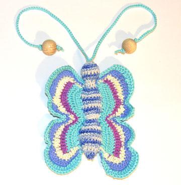 Бабочка,вязаная игрушка с бубенчиком,слингоигрушка - 370 руб.,в комплекте с бусами - 340 руб или при покупке от трех игрушек - цена 340 руб.