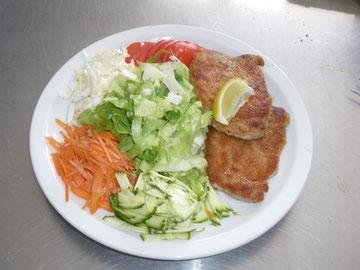 Fiteness - Teller mit hausgemachter Salatsauce