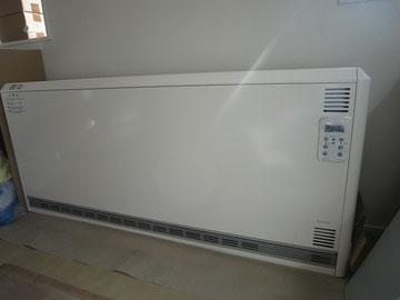 リビング蓄暖設置