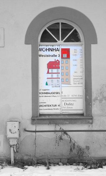 Vernageltes Fenster