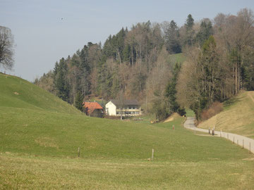 Das alte Schulhaus Huebbach beherbergt heute eine Kochschule mit Eventlokal