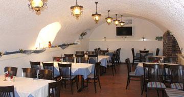 Der gemütliche Gewölbesaal des Hotels Krone