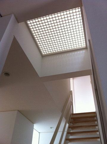 グレーチングの天井