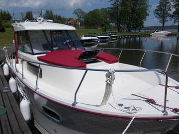 Hausboot NAUTIKA 830 PRO | 4+2 Kojen, 2 Schlafkabinen | ohne Führerschein