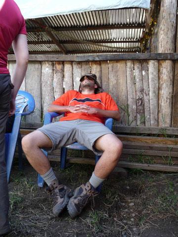 Ptite sieste pour Mauricio qui récupère !