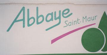 "1994 fresque reproduction Logo ""Abbaye ST-Maur"" maison de retraite"