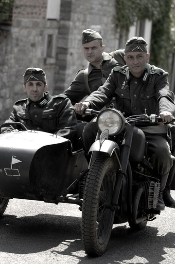 Trois initiales, pour un équipement bicylindre BMW...