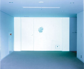 installation view of 7a lie before breakfast' / 2002  video , roop / phpto  M.Fujikawa