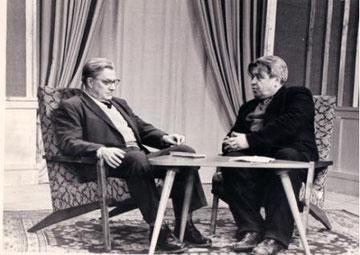 Алексей Сурков и Николай Барсуков на съёмках телепередачи. 1960 - е годы.