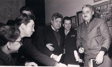 Справа налево - Константин Симонов, Леонид Крайнов, Николай Барсуков. 1960 - е годы.