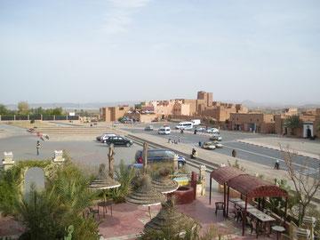 Ouarzazate, esplanade de Taourirt