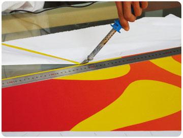 saubere Verarbeitung mit Hitze-Trennmesser