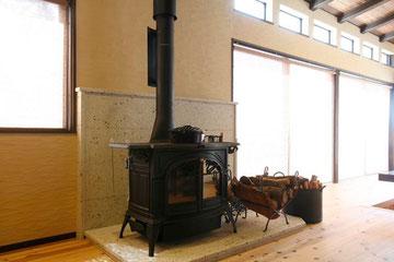 薪ストーブと自然素材の販売