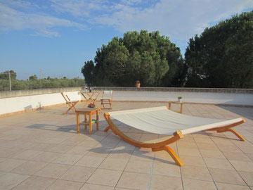 Die Dachterrasse mit weitläufigem Rundumblick in die Umgebung