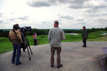 Auf dem Fort Douaumont - Hier konnte Marcus Massing bei einem Interview eine kleine Kostprobe seines umfangreichen Wissens geben