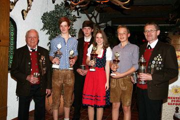 Preisträger 2013 (Personen von links)