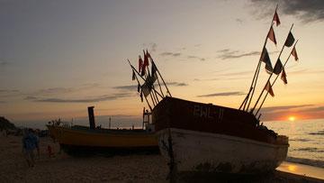 Die Rewaler Fischerboote beim Sonnenuntergang