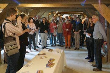 Begrüssungsansprache mit Presse (Foto: Jörg Petersen)