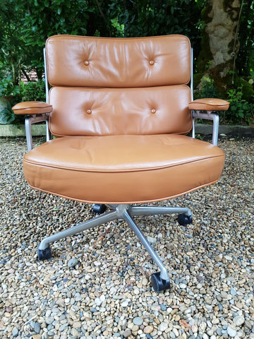 Charles et Ray EAMES Fauteuil Lobby chair édition Herman miller