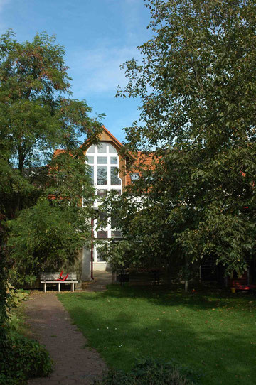 Hofansicht vom Garten aus -Südseite