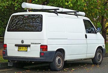 Australische T4a panel van, standaard wit, grote plastic bumpers