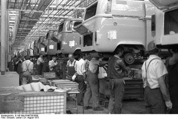 Productie van de T2.b in Hannover, 1973