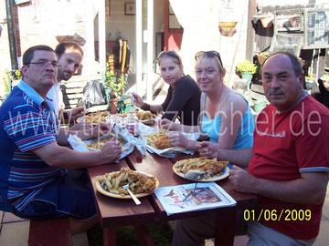 Abschließendes Abendessen bei Familie Elstob