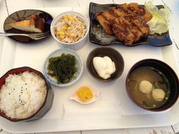 トンカツ定食 1,000円