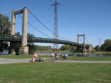 Bouchemaine - arrêt près du pont