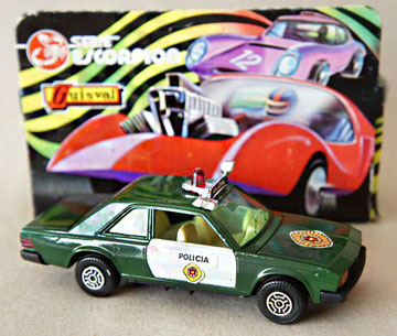 110 Fiat 130 policía