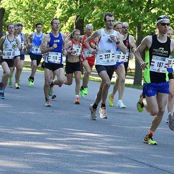 Julia Mayer Laufen Läuferin Wien DSG Wien Vienna 10K VCM Vienna City Marathon