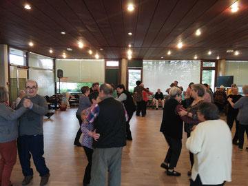 Après-midi dansant à la maison de retraite de Poul ar bachet