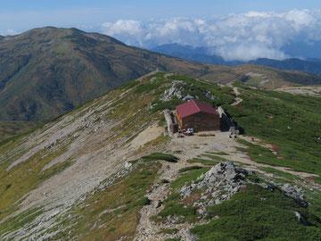 薬師岳山荘    ※上から撮影