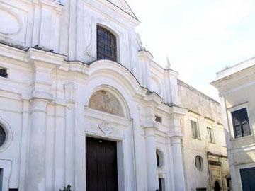 意外な見所、サン・ミケーレ教会。
