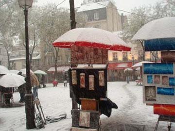 売り物の絵も凍る寒さっ!