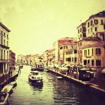 運河の流れ。