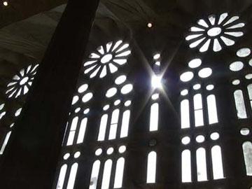 この窓からの光が、本当にキレイ。