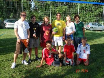 Platz 1:  v.l. Gregor, Ines, Nina, Manuel und Denise, Benjamin (Team Denise), Platz 2:  v.l. Jürgen, Paul und Fabian (Young Spirit)