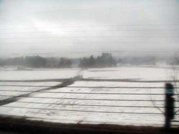車中より雪原を望む 小千谷付近