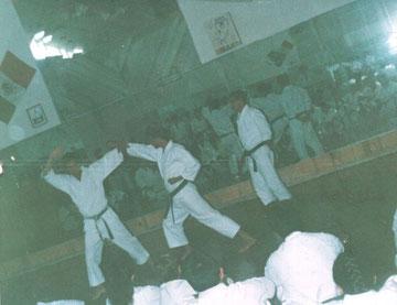 Shojiro Koyama Seminario JKA- ISKF  en el gim del prof. Torres Islas algunas decadas atras.