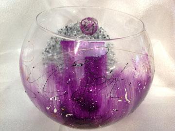Vase in wunderschönem lila, klein 19,- groß 28,-