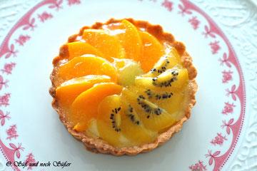Tartelettes mit Früchten, Baken, kleine Kuchen