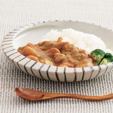 信楽焼きで作ったカワグチ企画オリジナルのカレー専用皿