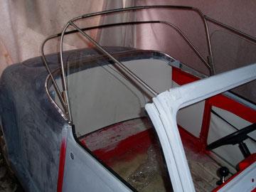 Verdeckgestell und probeweise die Innenverkleidung angepasst