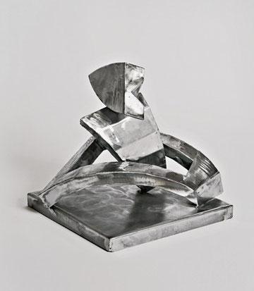 Laurin im Knopfloch, 45 x 39 x40 cm, Eisen, 2009