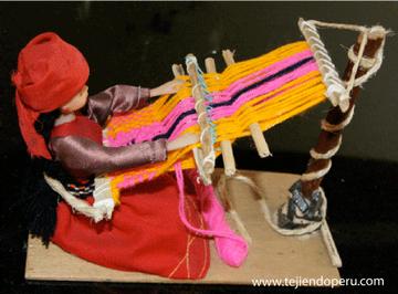 luyana tejiendo en telar tejiendoperu