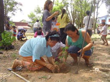 Parents and local residents planting seedlings too!